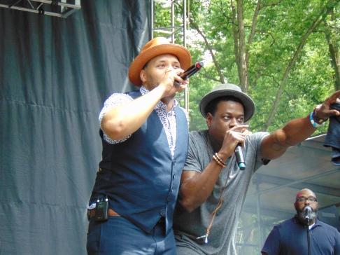 Eric Roberson (left)